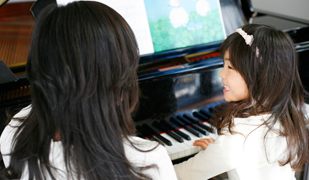 http://www.sumiya-goody.co.jp/school/child_music/img/pho_014.jpg