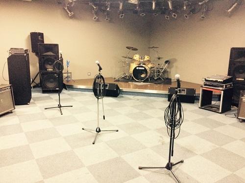 スタジオドラムセット.jpg