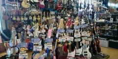 写真:ギターリペアクリニック開催! 富士店