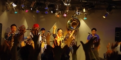 写真:Black Bottom Brass Band LIVE大盛況! |富士店