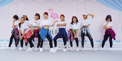 写真:静岡駅前イベント マザーランドでのダンスパフォーマンス 富士店