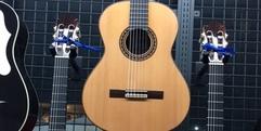 写真:期間限定展示販売のクラシックギター!|富士店