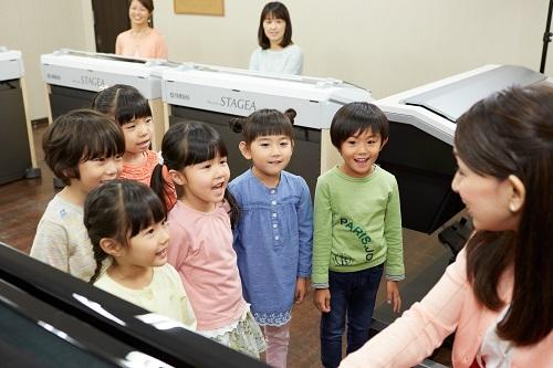 mini幼児科ピアノと歌う.jpg