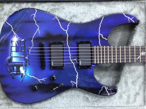 メタリカ30周年ギター2本目ボディ.jpg