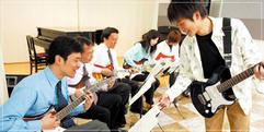 写真:おとなの音楽教室無料体験レッスン 藤枝店