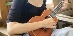 写真:[オーレ藤枝]ギターだと難しいFコード、実はウクレレでは簡単?|藤枝店