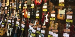 写真: 静岡で中古アンプを買うなら楽器店の当店が安心!中古楽器入荷情報!! 本店