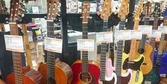 写真:中古楽器  お手頃ギター紹介!!春はギターを始めよう!!|本店