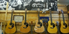 写真:               静岡県東部最大級の展示。マーティンギターフェア開催中!|沼津店
