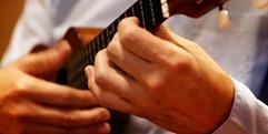 写真:ウクレレ教室生店頭ライブのお知らせ【ヤマハ大人の音楽教室】|沼津店