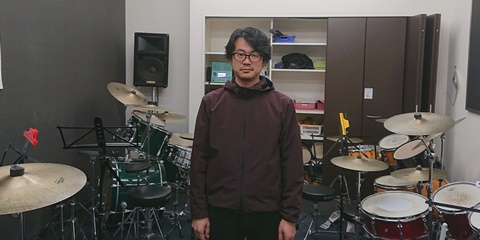 19.01Dr海野T(直立).JPG