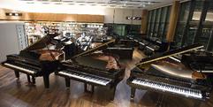 写真:               【静岡でピアノを選ぶなら】県下最大級!ピアノ・電子ピアノセール開催中!|SBS通り店