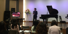 写真:内藤晃おしゃべりコンサート行いました SBS通り店