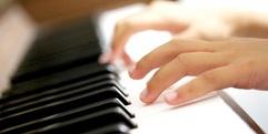 写真:ヤマハアップライトピアノYU33とYUS3を比べてみた♪|SBS通り店